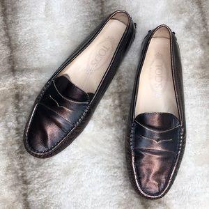 Tod's Gommini Metallic Copper Loafers Sz 37.5/7.5